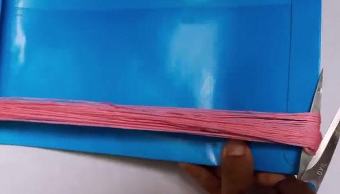 наматываем нитки на шаблон