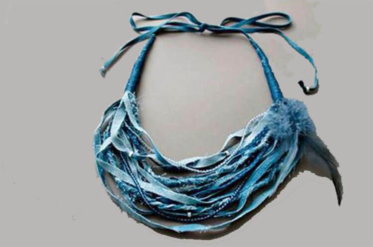 ожерелье из джинсы