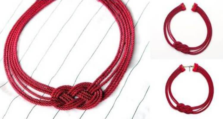 ожерелье бордовое
