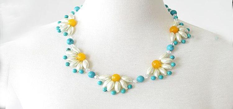 ожерелье с ромашками