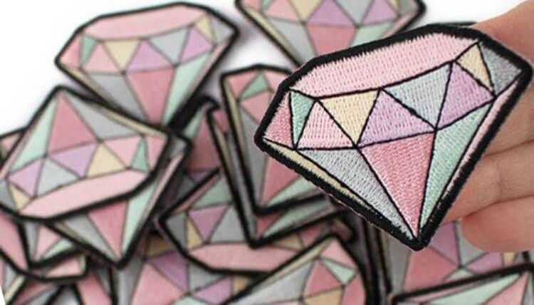 как сделать нашивку на одежду бриллиант