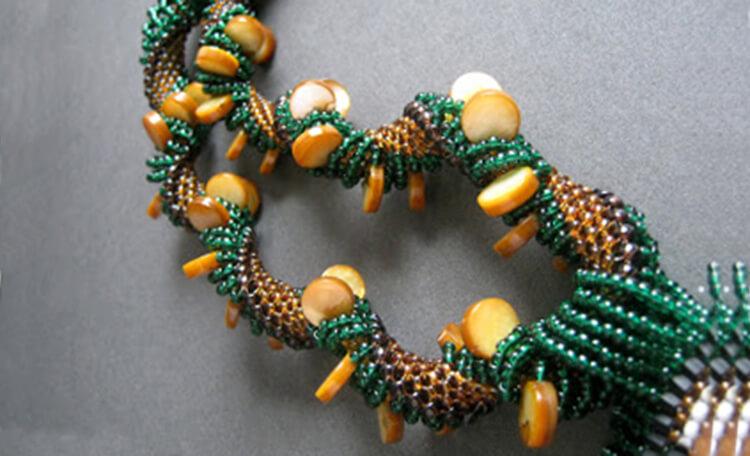 плетение жгута из бисера 8