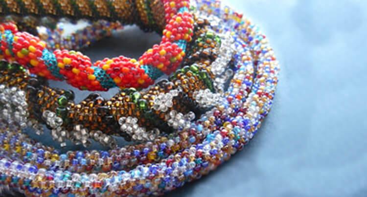 плетение жгута из бисера 2