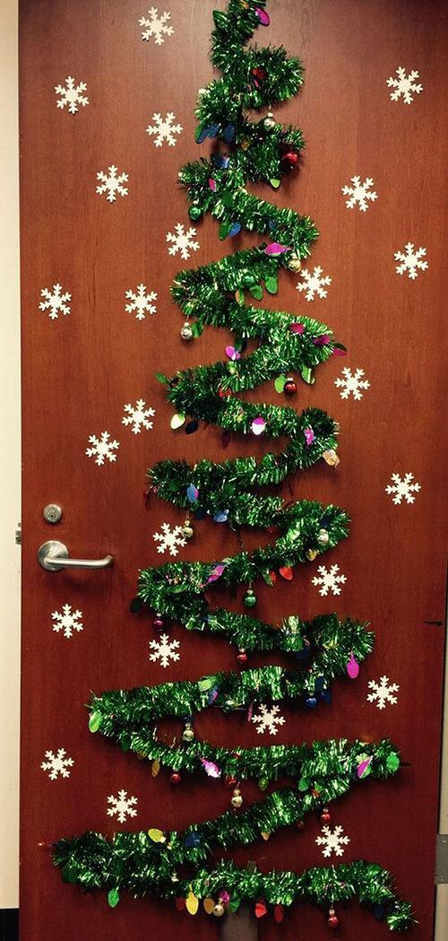 украшаем дверь 9